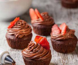 Cupcake al cioccolato con ganache alle fragole