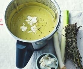 Soupe de poireaux au thym et au fromage frais
