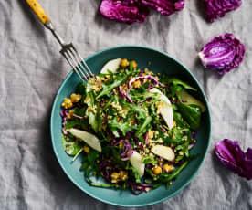 Salada de bulgur com grão-de-bico e pera rocha