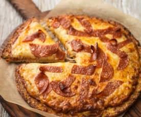 Pizza kalafiorowa z kiełbasą pepperoni