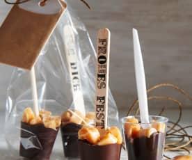 Karamell-Trinkschokolade am Stiel