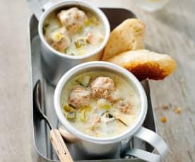 Lauch-Käse-Suppe mit Hackfleischbällchen