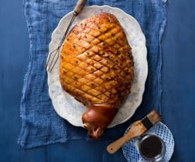Pineapple and orange glazed ham (MEATER+®)