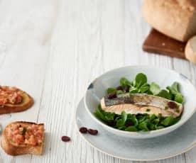 Salada de salmão e arandos