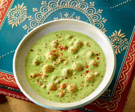 Spinat-Joghurt-Suppe mit Bulgurklößchen - Cimcime