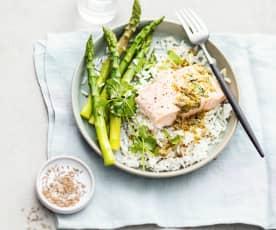 Saumon aux asperges, sauce aux câpres et riz au cumin
