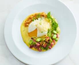 Uovo barzotto con salsa bernese al finocchietto, fave, pancetta e pane croccante all'aglio (di Chef in Camicia)