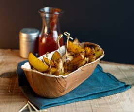 Pikantne łódeczki ziemniaczane pieczone na grillu