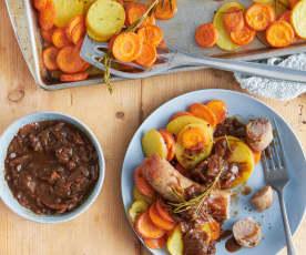 Saucisse rôtie, légumes et sauce à l'oignon