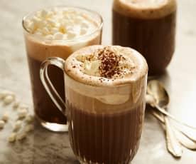 Heiße Kaffee-Rum-Milch