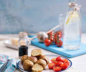 Pulpeciki z ciecierzycy z letnią sałatką pomidorową