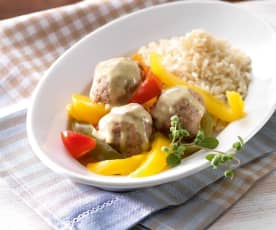 Meatballs with Rice, Peppers and Curry Sauce