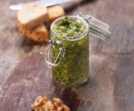 Pesto z orzechów włoskich i rukoli
