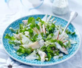 Eichblattsalat mit Birnen und Forelle