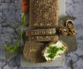 Karotten-Walnuss-Brot