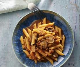 Těstoviny s rajčatovou omáčkou a chorizem