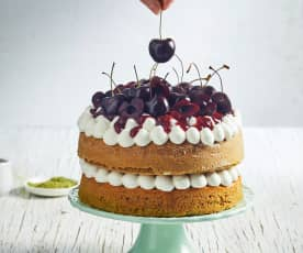 Sponge cake al tè matcha e ciliegie
