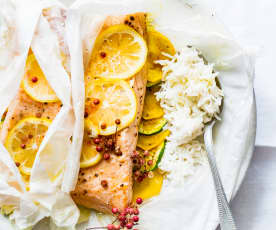 Papillotes de saumon, courgettes et riz