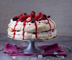 Pavlova con frutos rojos y coulís de frambuesa