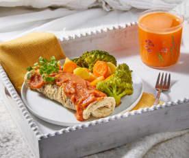 Desayuno en cama: Jugo y omelette con verduras