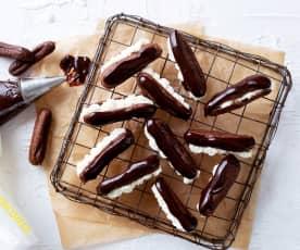 Minirelámpagos de chocolate con nata de maracuyá