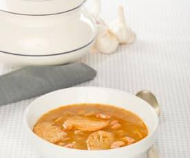 Sopa de ajo con pescado