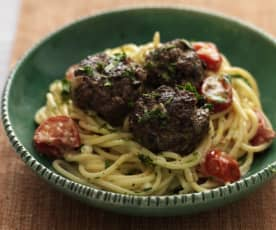 Oliven-Fleischbällchen mit Spaghetti