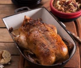 Kaczka faszerowana mięsem i morelami, kasza gryczana z żurawiną