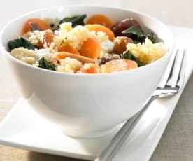 Gemüse-Couscous mit Datteln und Feta