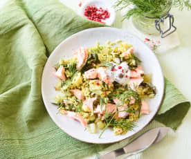Reissalat mit Lachs und Pak Choi