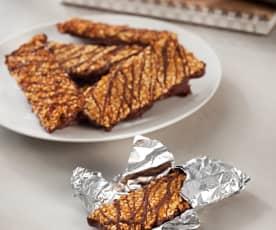 Křupavé cereální tyčinky s arašídy a čokoládou