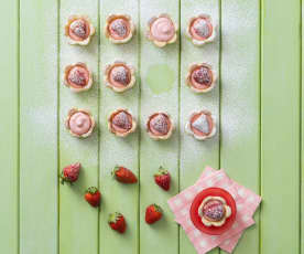 Mini strawberry mousse flower tarts