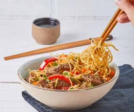 Salteado asiático con noodles TM6