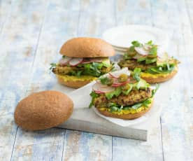 Jalapeño and lime chicken burger with corn smash (MEATER+®)