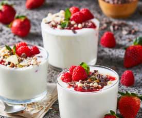 Yogur con compota de fresas e higos