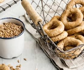 Biscotti di farro con sciroppo d'agave e yogurt