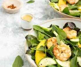 Salada cremosa de camarão