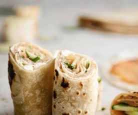 Wrap casero de pepino y salmón ahumado