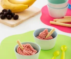 Helado de plátano y cerezas