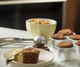 Minisoufflés de chocolate y muesli crujiente