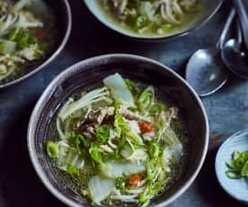 Chinakohlsuppe mit Lamm (羊肉片汤)