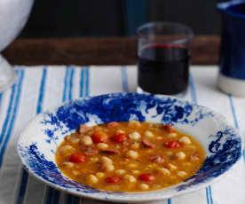 Sopa de grão e linguiça