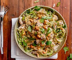 Pollo al jengibre y al sésamo con espaguetis de calabacín
