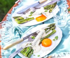 Asperges en sabayon, œuf mariné au soja