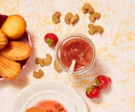 Rhabarberkompott mit Erdbeersud