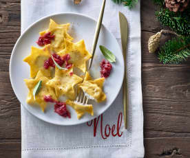 Sternravioli mit Walnuss-Preiselbeer-Pesto