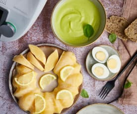 Crème de petits pois au basilic, œufs durs et fondant citron