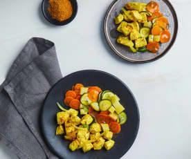 Bocconcini di pollo al curry con patate e verdure