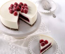 白乳酪覆盆莓果凍蛋糕