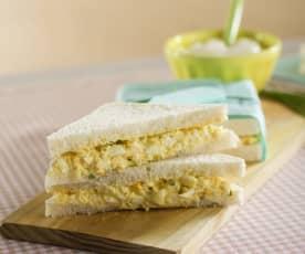Sándwich de ensalada de huevo